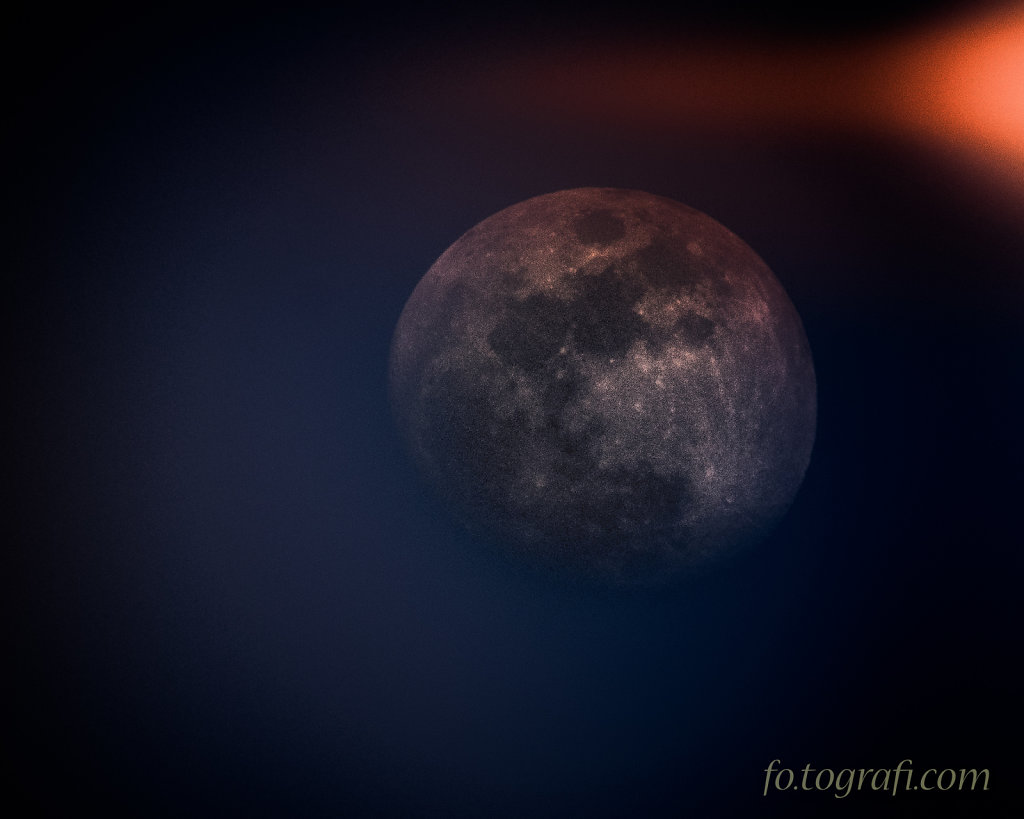 Red Moon Swirly